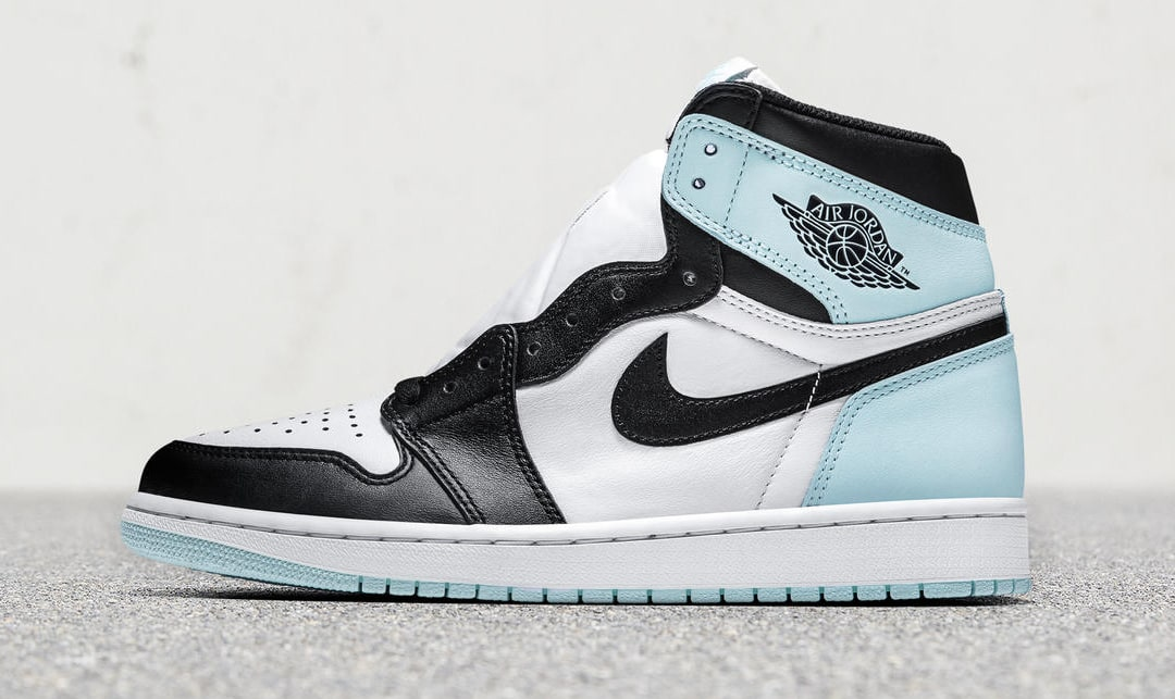 Air Jordan 1 Igloo