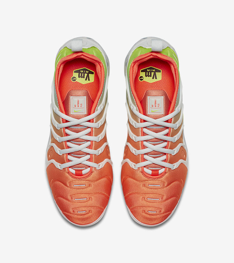 Nike Air VaporMax Plus 'Barely Grey/Total Crimson' AO4550-003 (Top)