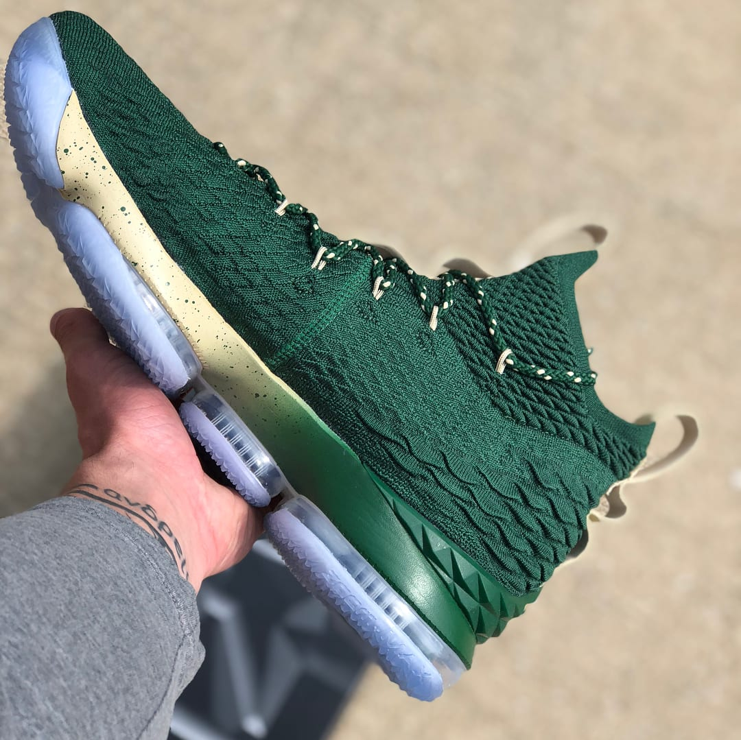 SVSM Nike LeBron 15 PE Green Medial