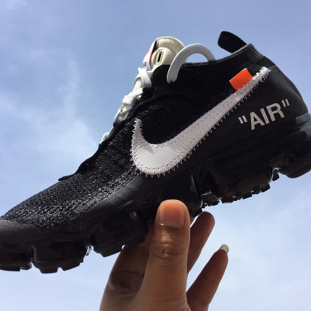 Off-White x Nike Air VaporMax Profile