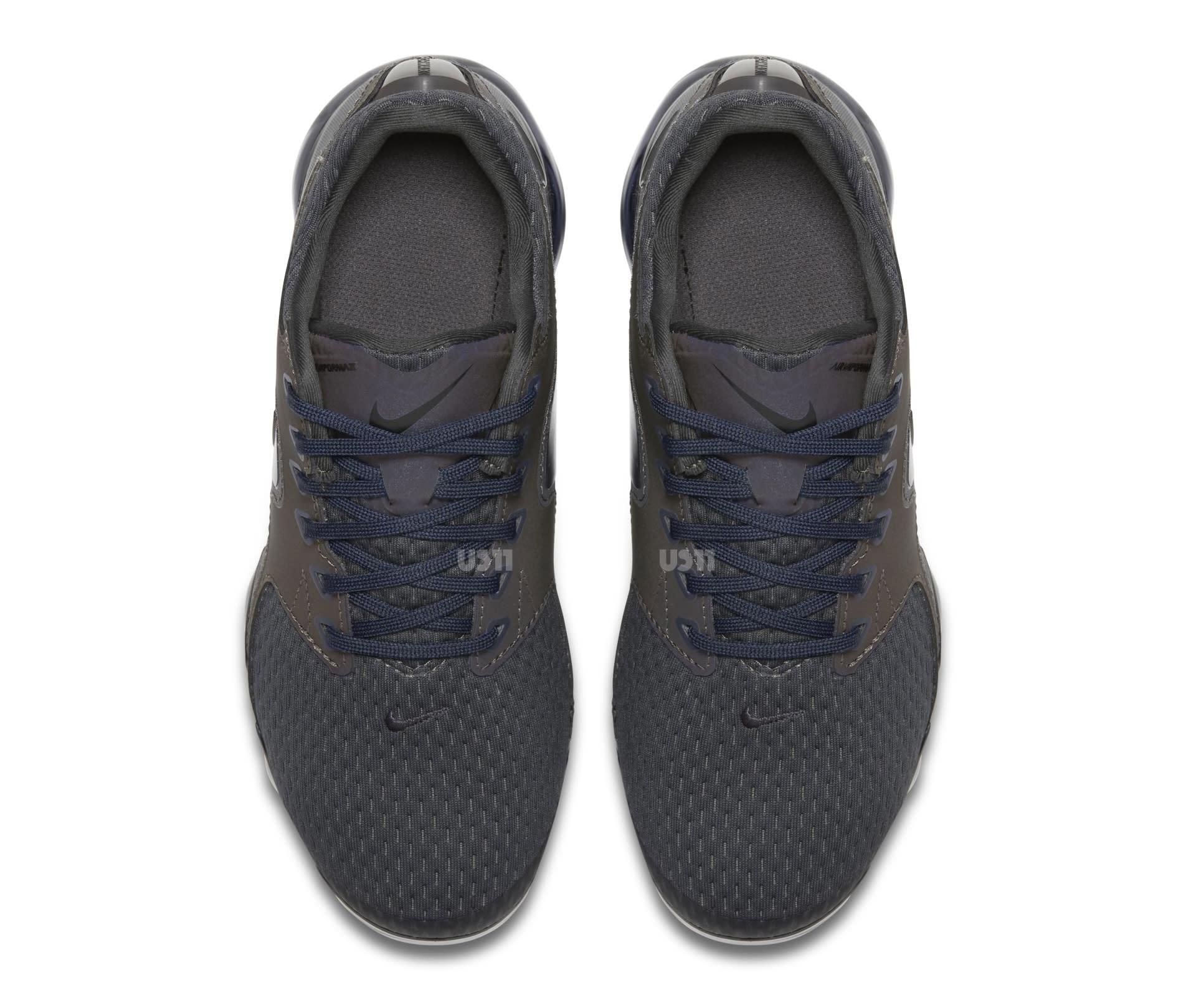 233fa1f6f37b03 ... Image via US11 · Nike VaporMax CS GS Top ...