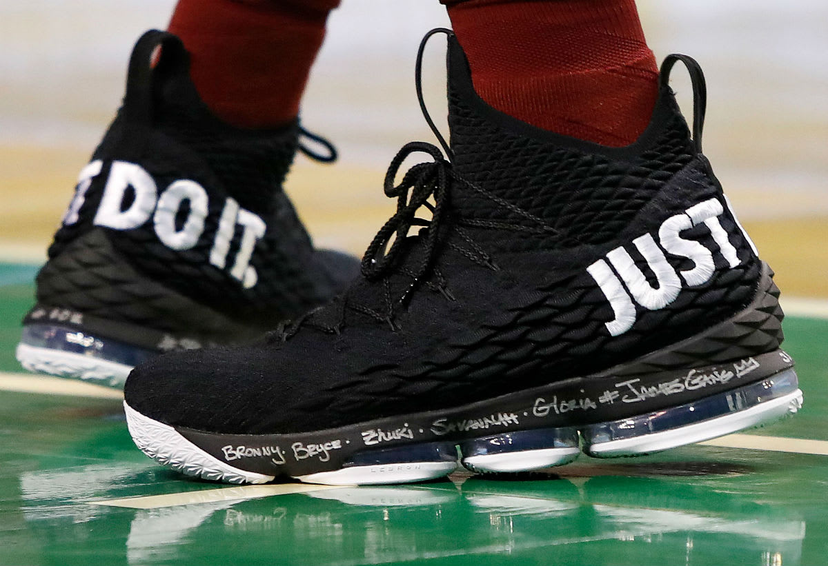 LeBron James Nike LeBron 15 Just Do It On-Foot 2