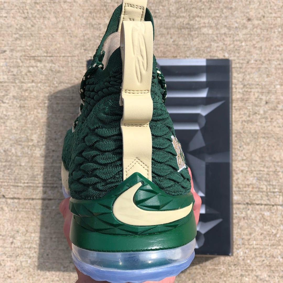 SVSM Nike LeBron 15 PE Green Heel