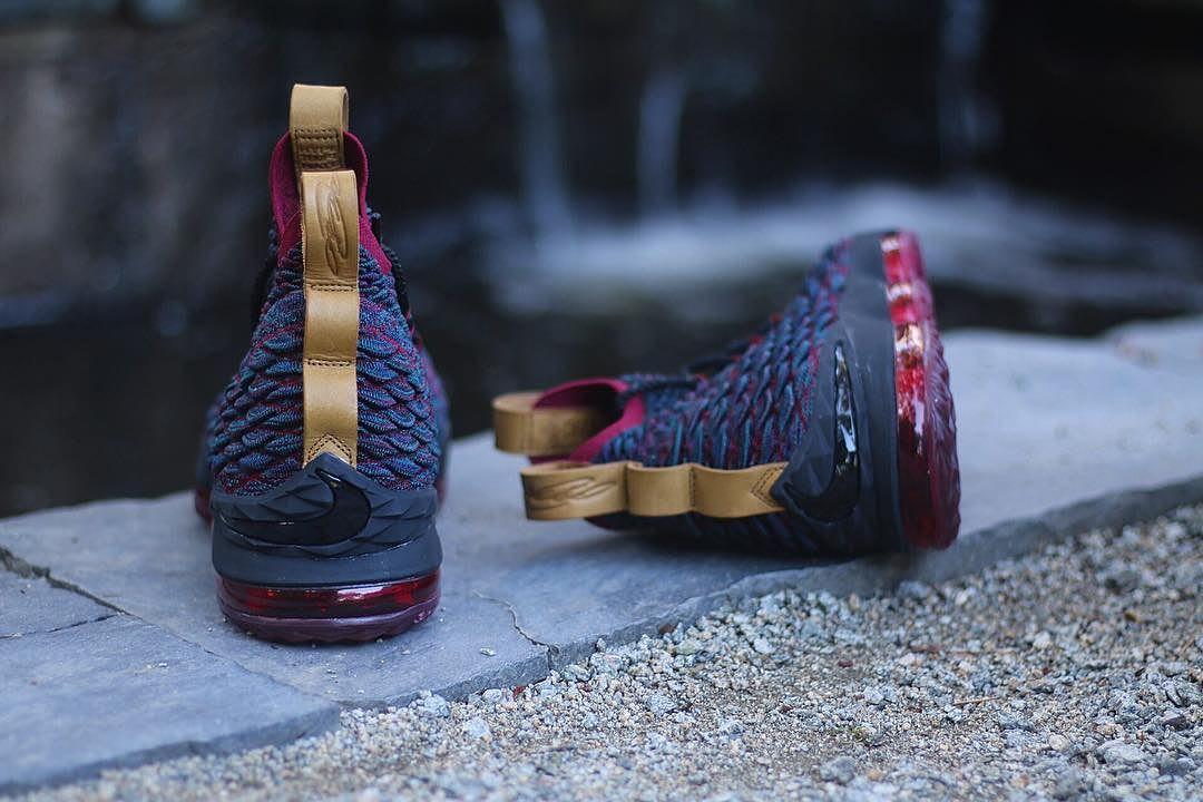 Nike LeBron 15 Cavs Heel