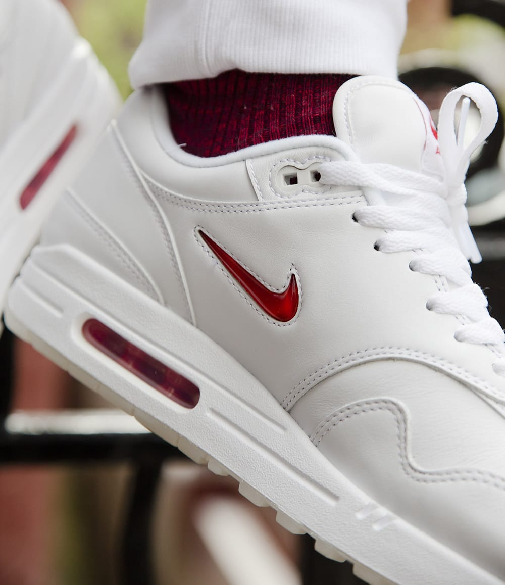 Nike Air Max 1 Jewel White Red Swoosh