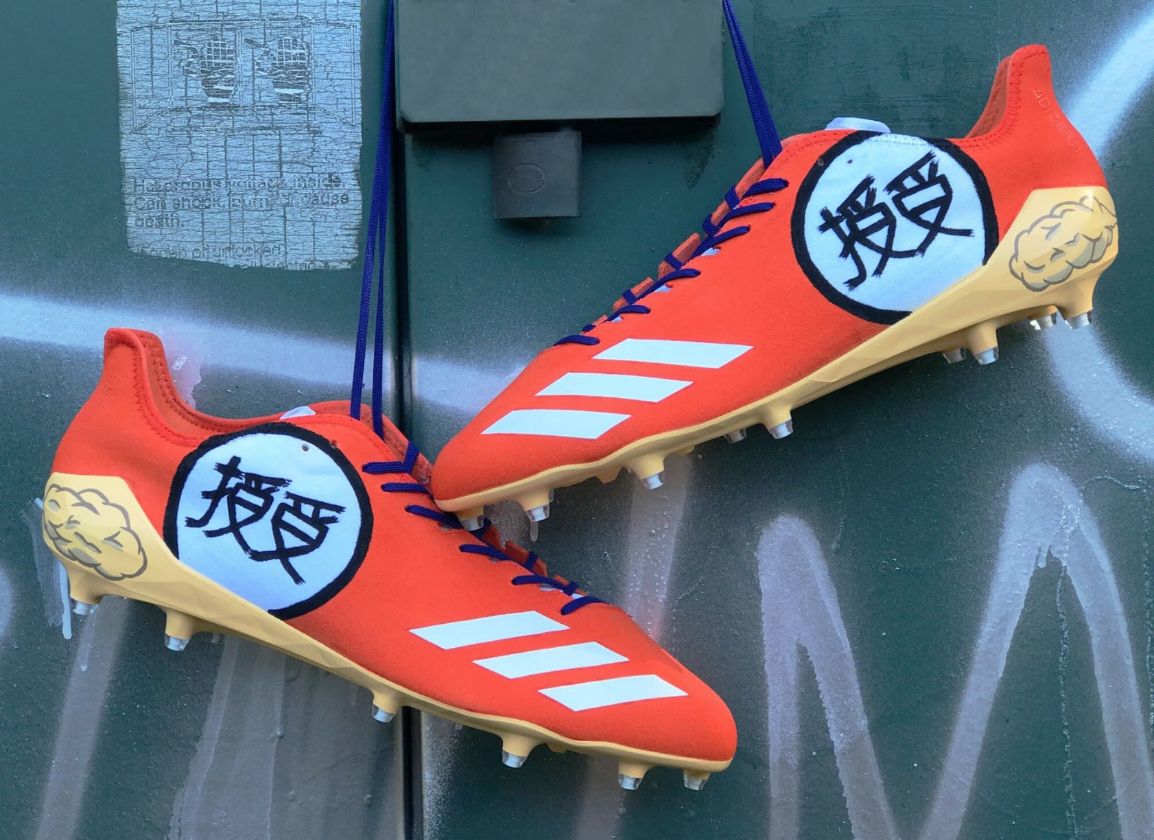 JuJu Smith-Schuster Dragon Ball Z Goku Cleats (1)