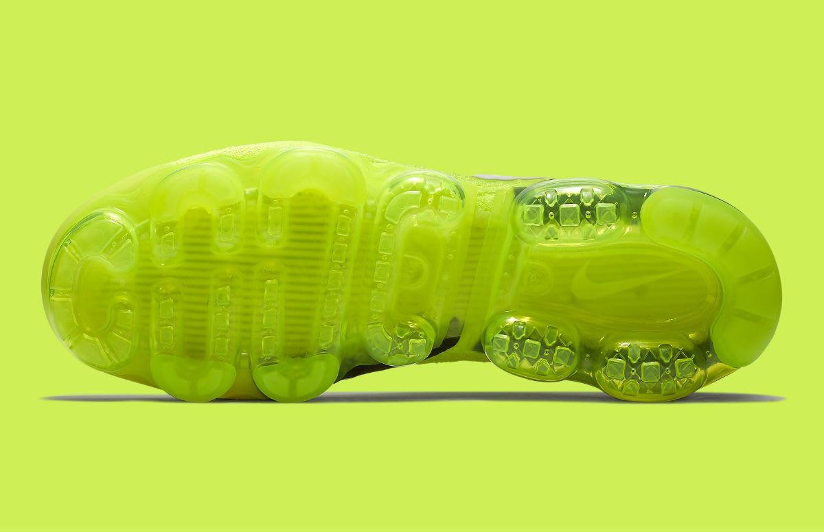 Nike Air VaporMax Flyknit 2 Volt Release Date 942842-700 Sole