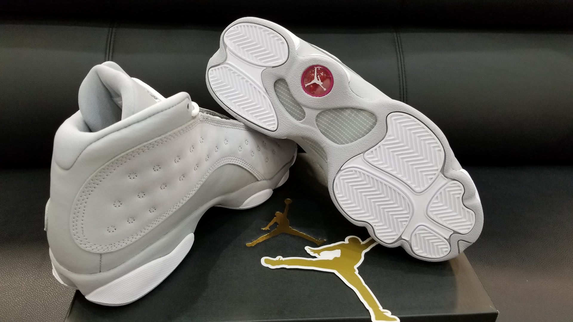 Air Jordan 13 GS Wolf Grey Deadly Pink Release Date Sole 439358-018