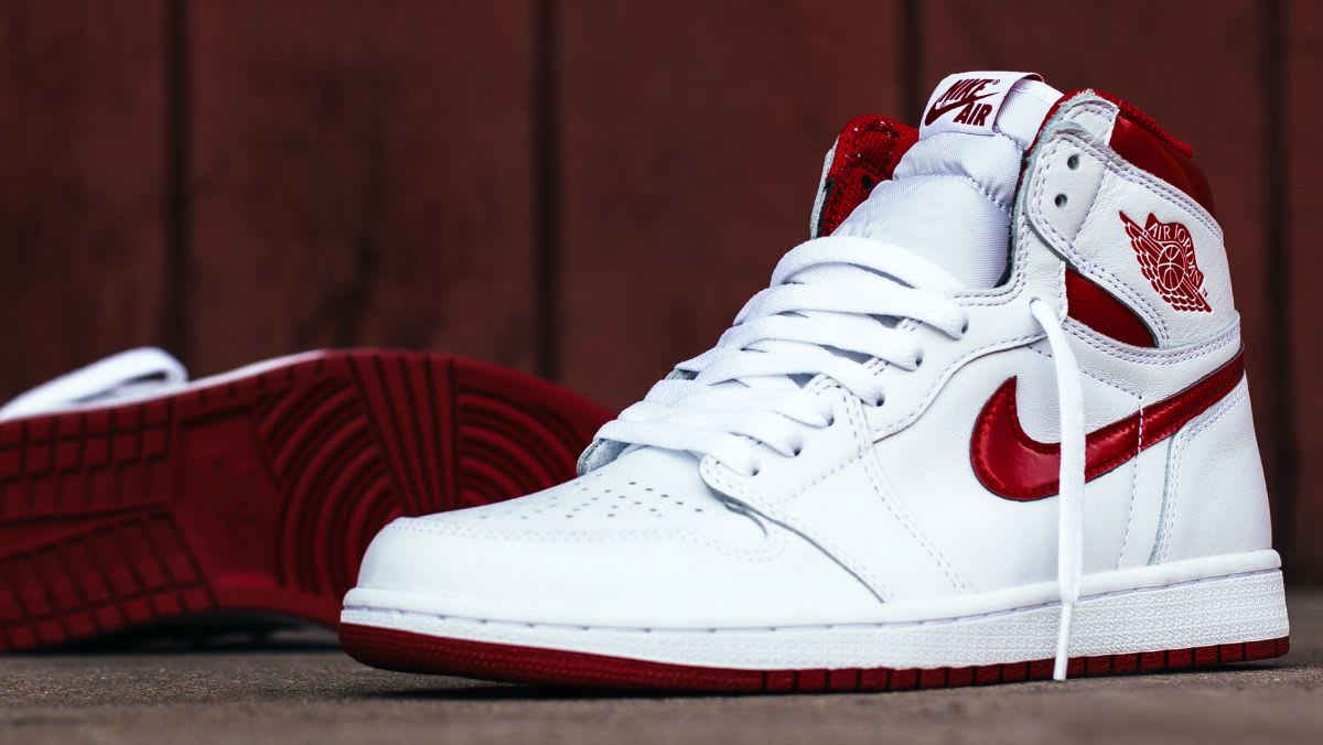 "9b40610cfbca Kommande Släpp   Air Jordan 1 High OG ""Metallic Red"" – Sir Pierre s ..."