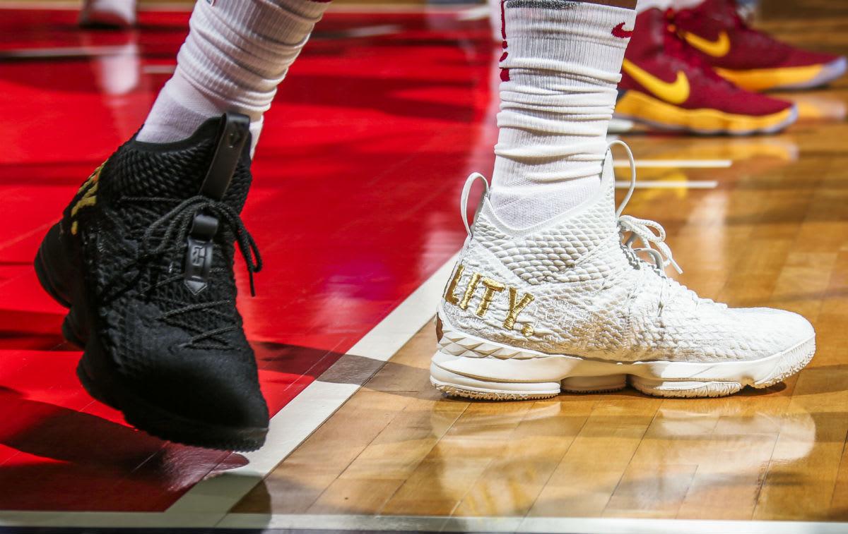 LeBron James Nike LeBron 15 Equality Mismatch White/Black Side