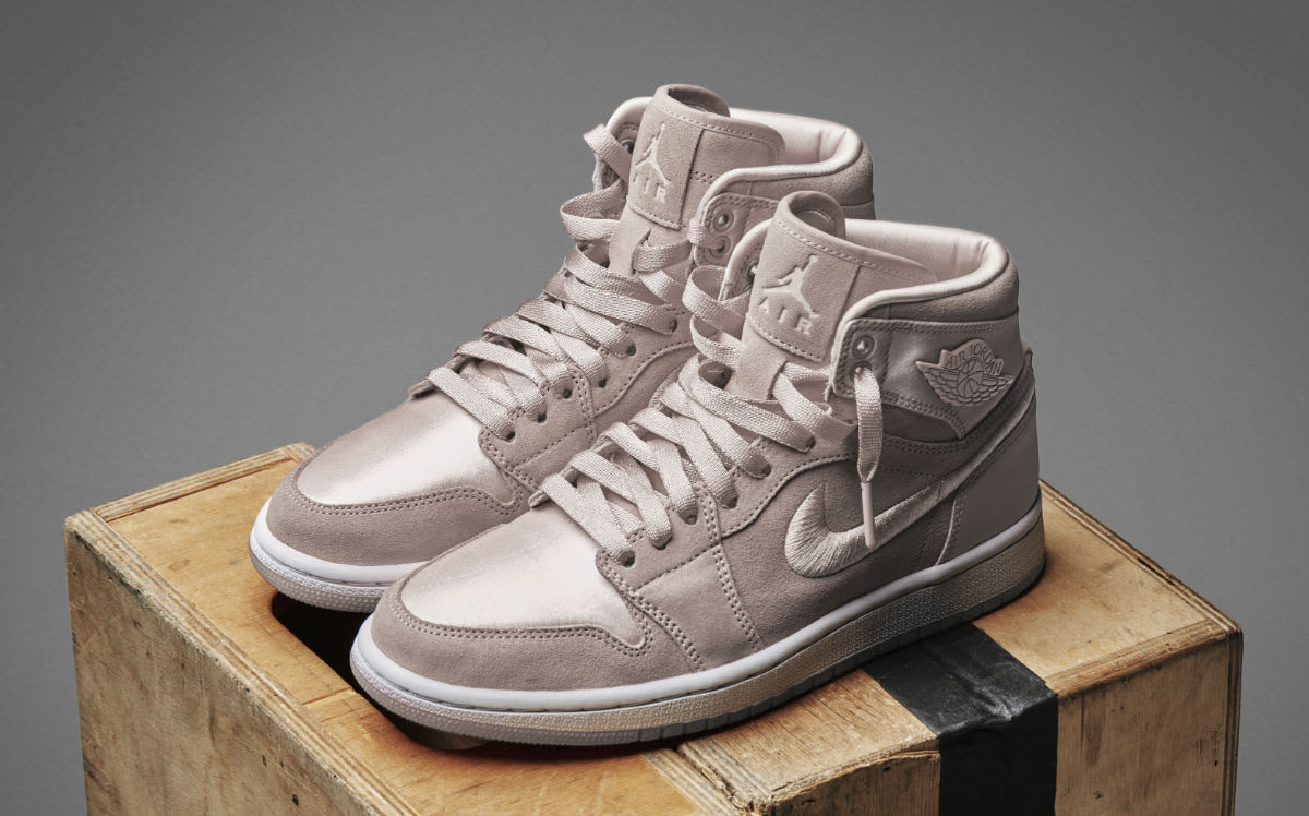 1798456572ca64 White And Pink Jordans