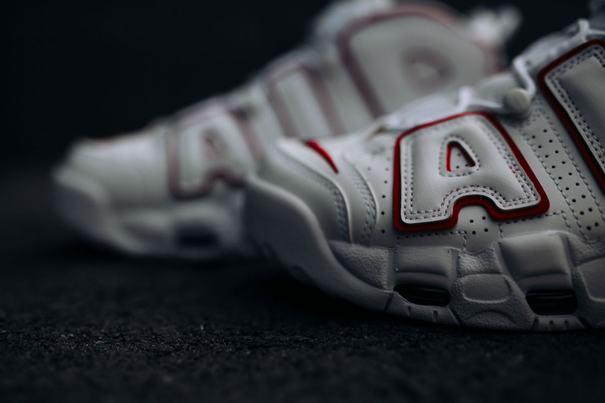 Nike Air More Uptempo Varsity Red Release Date 921948-102 Toe