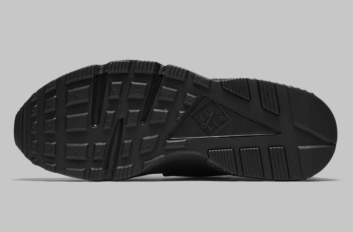 Nike Air Huarache Run NYC Triple Black Release Date AJ5578-001 Sole
