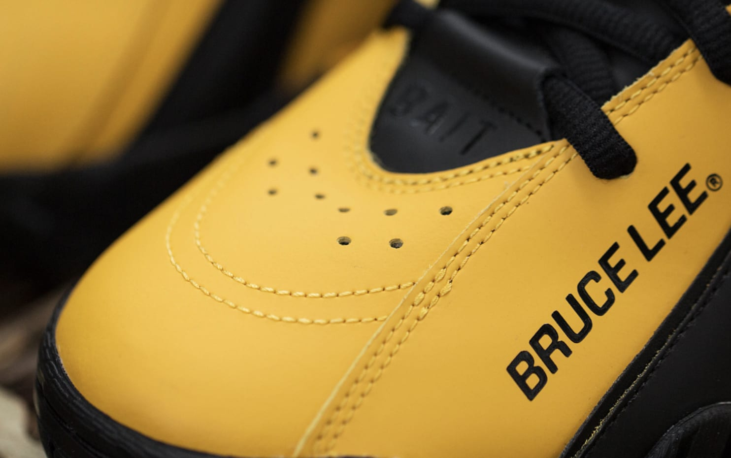 2554d032c125 Bruce Lee shoes