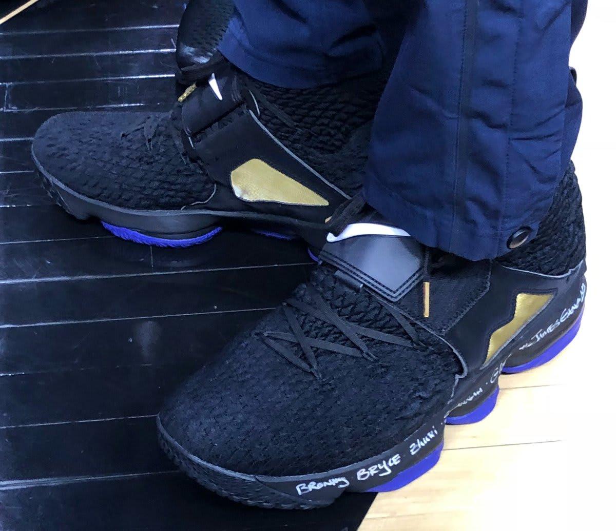 best service d5fa3 9e435 LeBron James Wears Nike LeBron 15 'Diamond Turf' in Black ...