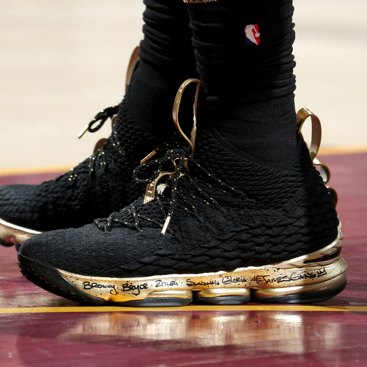 LeBron James Nike LeBron 15 Black Gold NBA Finals Game 4 PE