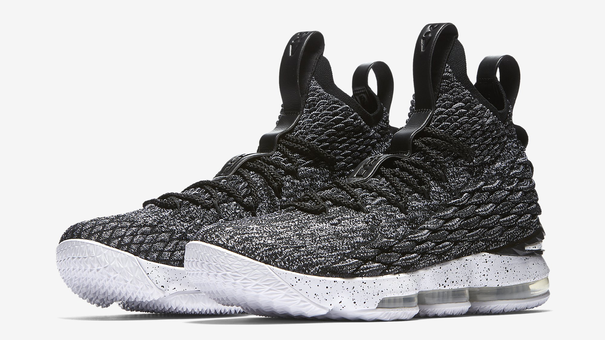c5acc06f09853 Nike LeBron 15 Performance Review