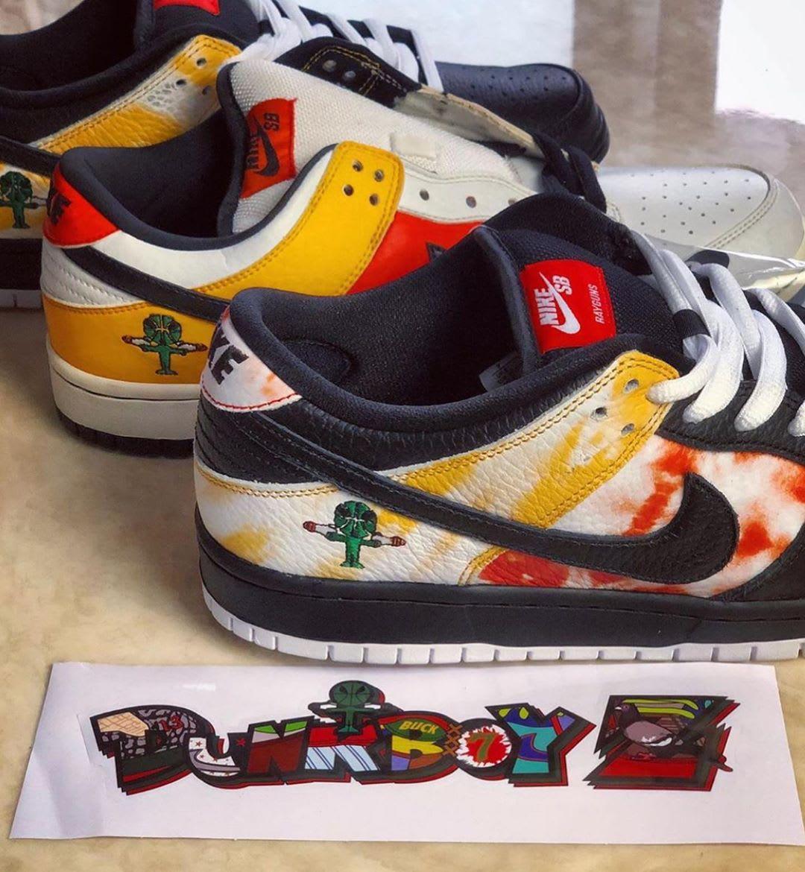Nike SB Dunk Low 'Raygun Tie Dye' BQ6832-001 (Side by Side)