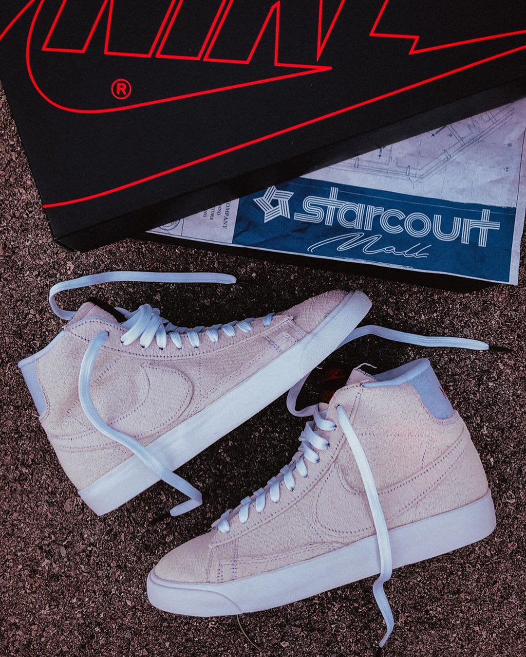 stranger-things-nike-blazer-mid-starcourt-mall
