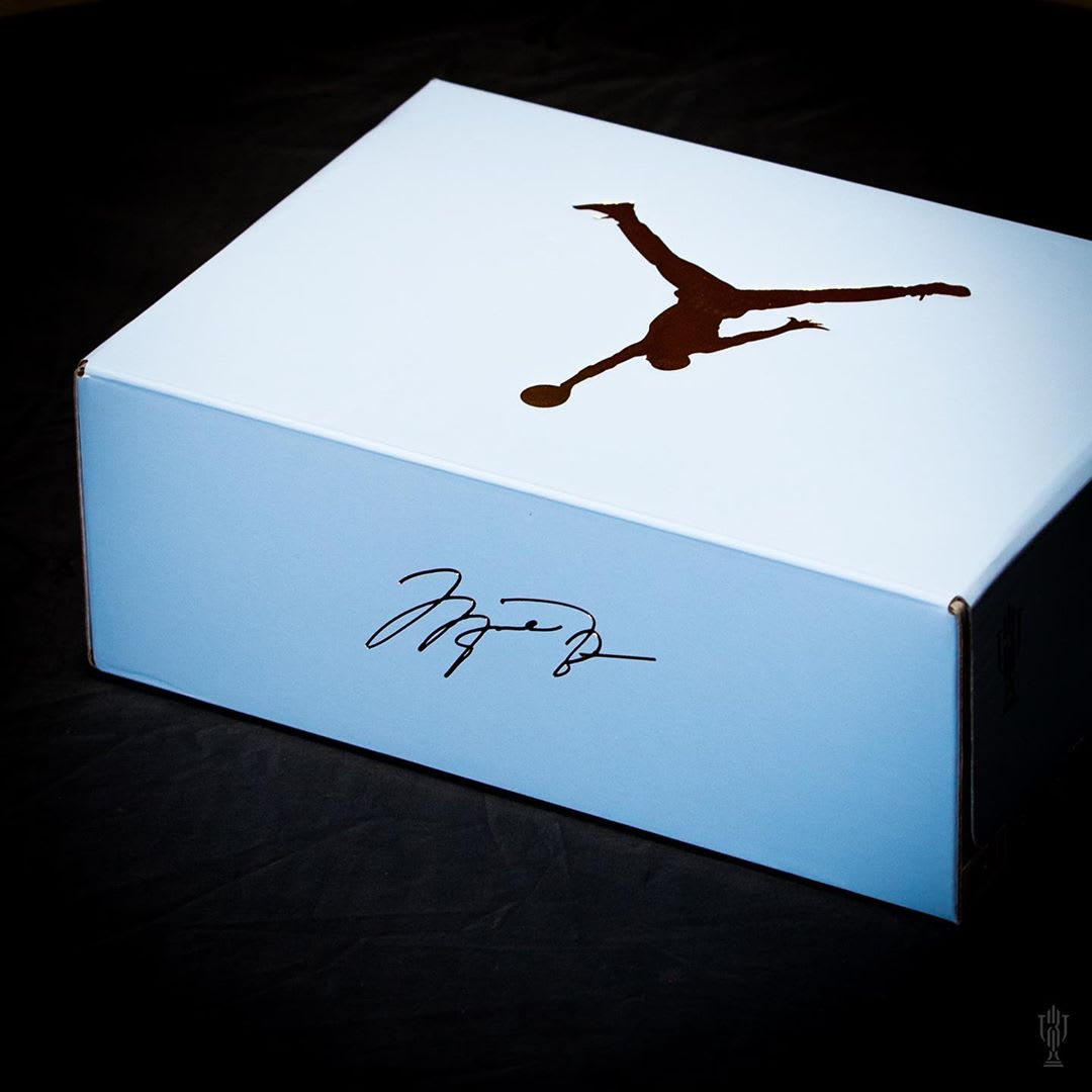 Trophy Room x Air Jordan 5 'Ice Blue' (Box)