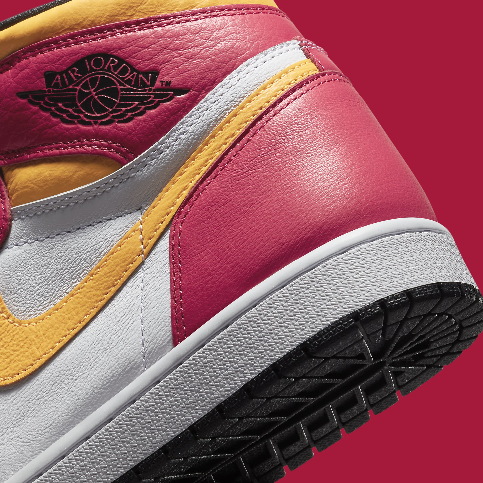 Air Jordan 1 Light Fusion Red Release Date 555088-603 Heel Detail