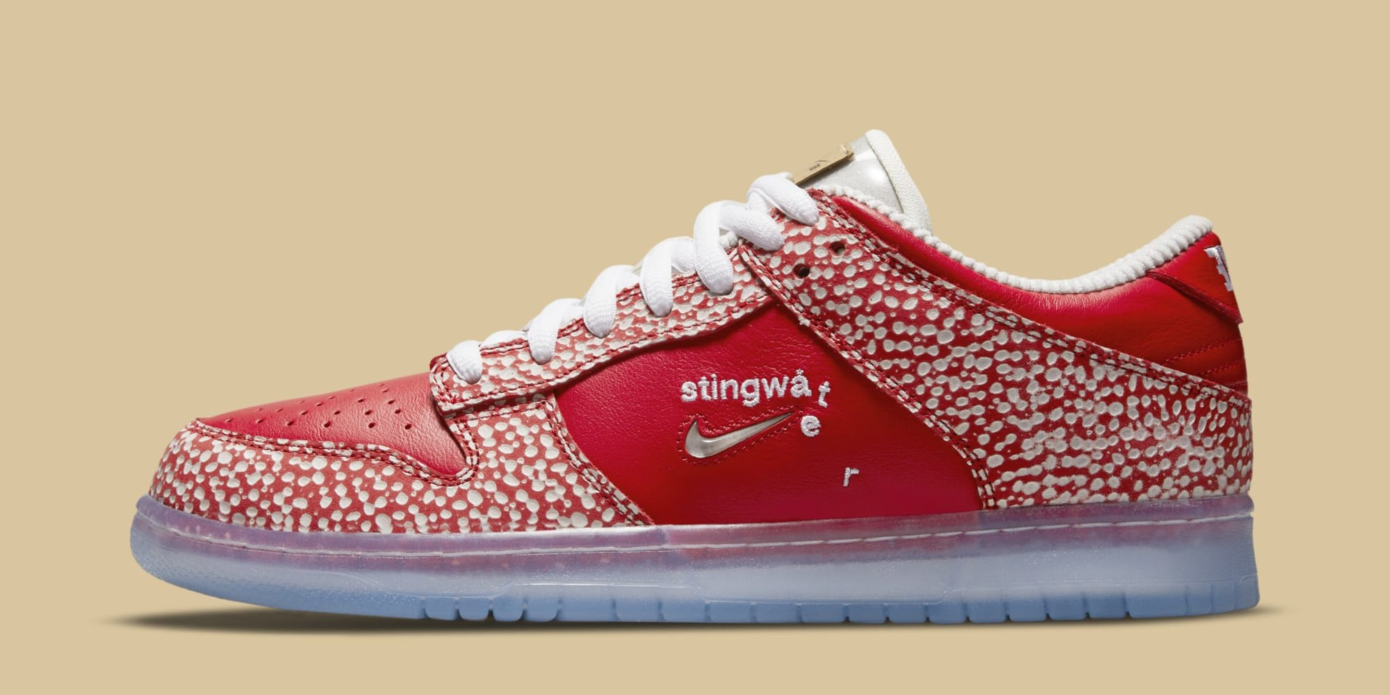 Stingwater x Nike SB Dunk Low DH7650-600 (Lateral)