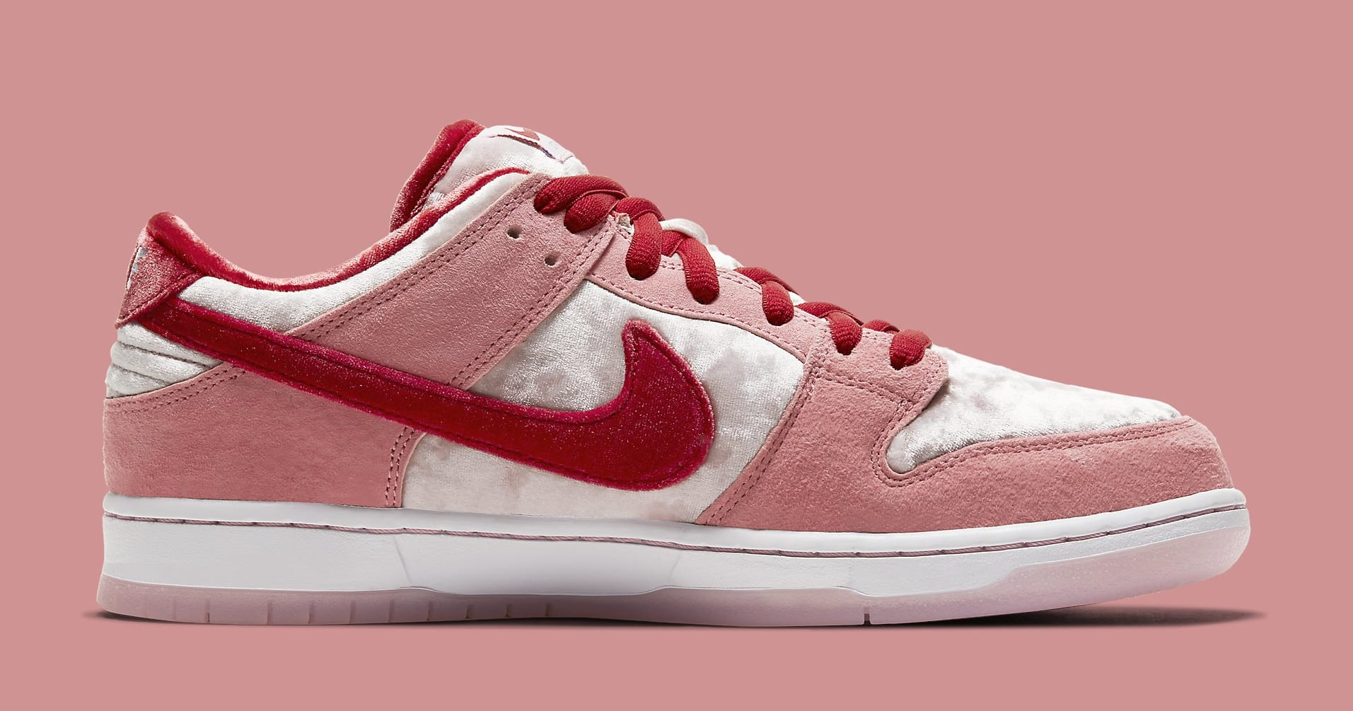 strangelove-nike-sb-dunk-low-ct2552-800-medial