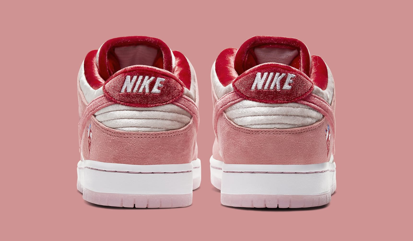 strangelove-nike-sb-dunk-low-ct2552-800-heel