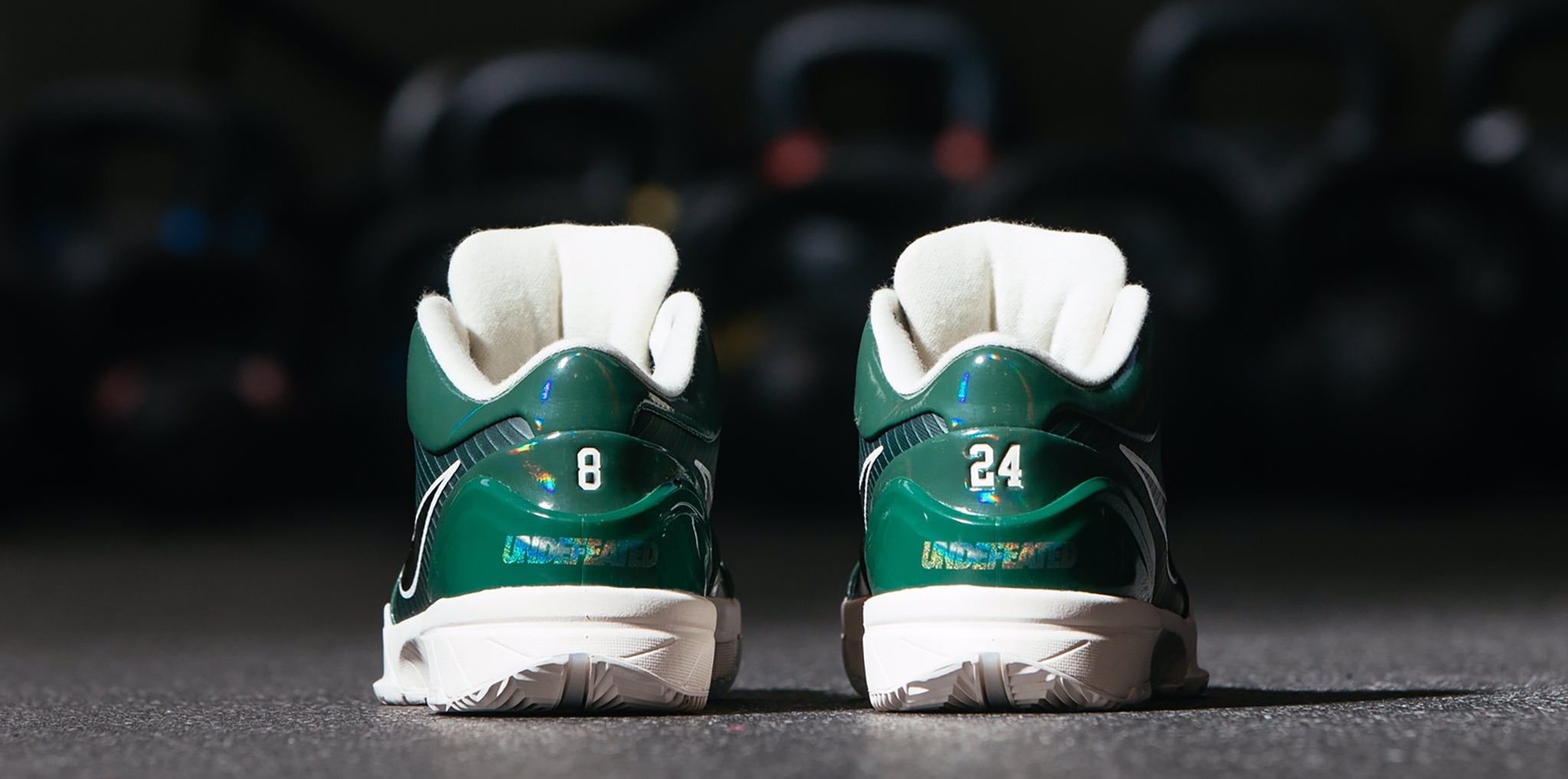Undefeated x Nike Kobe 4 Protro 'Fir' (Heel)