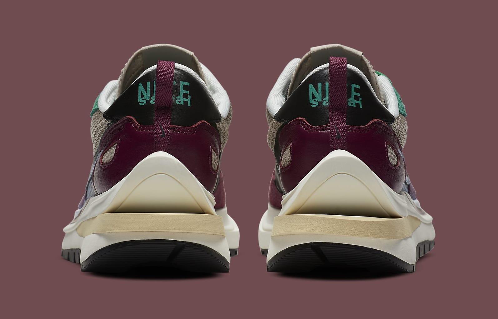 Sacai x Nike VaporWaffle 'Villain Red' DD3035-200 Heel