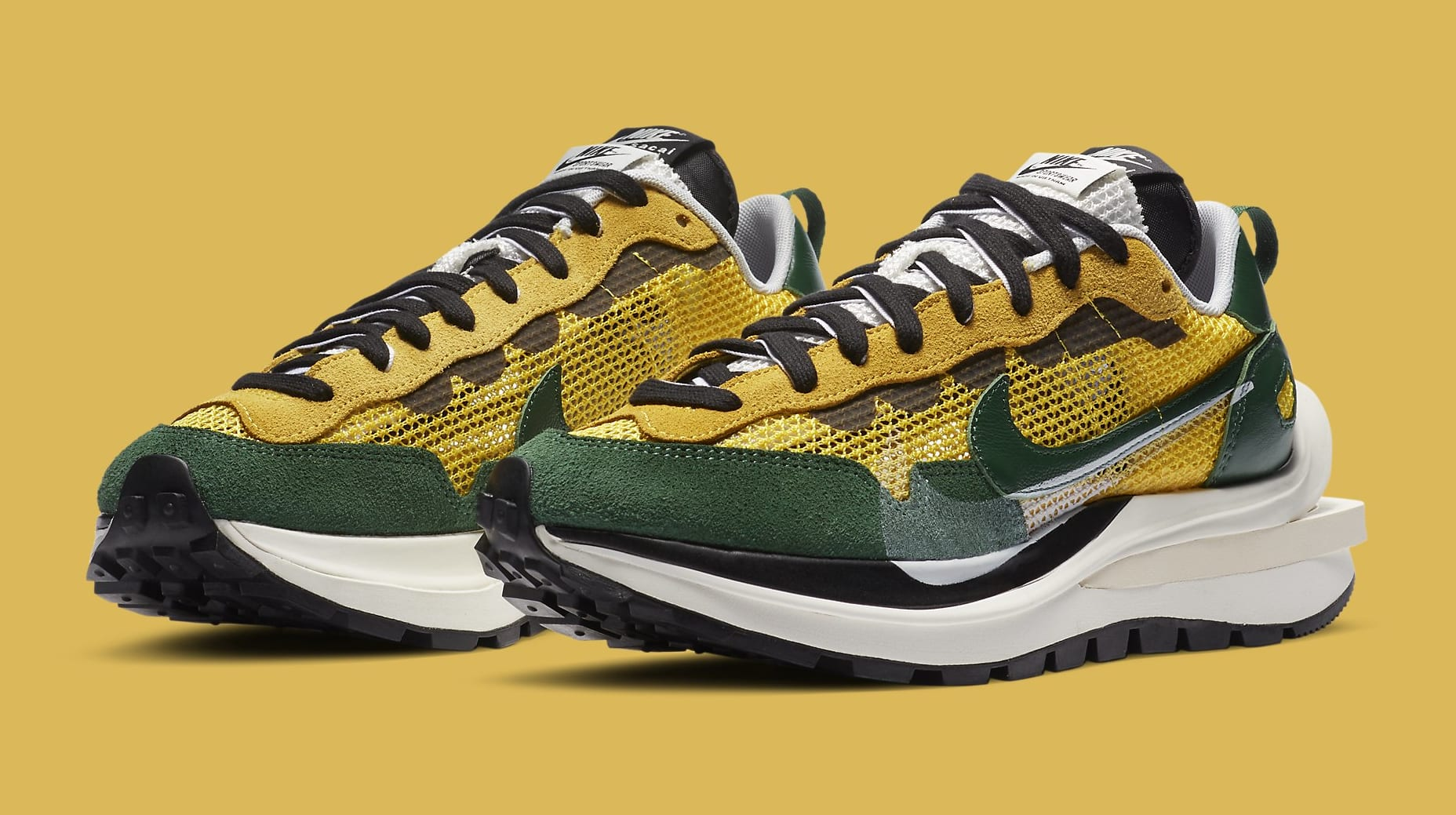 Sacai x Nike VaporWaffle 'Tour Yellow' CV1363-700 Pair