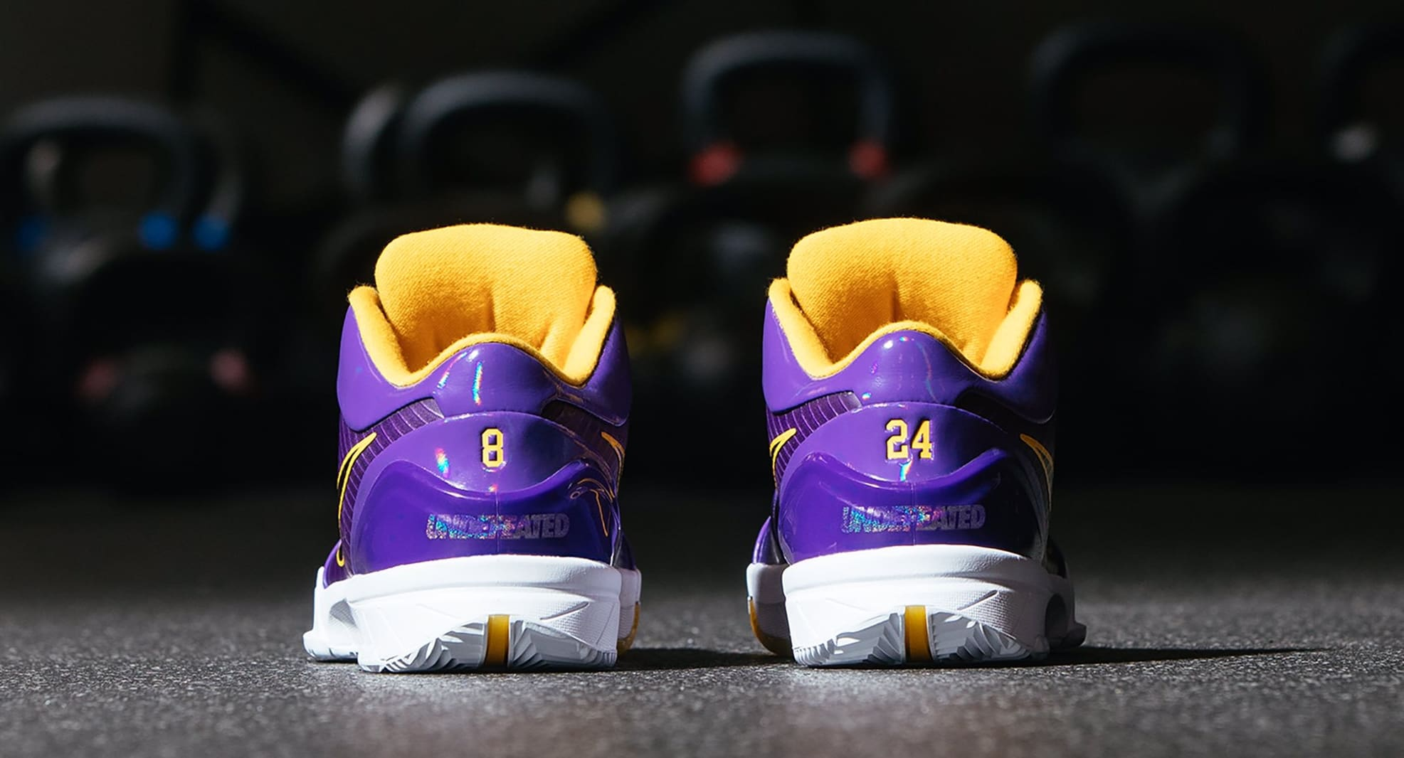 Undefeated x Nike Kobe 4 Protro 'Court Purple' (Heel)