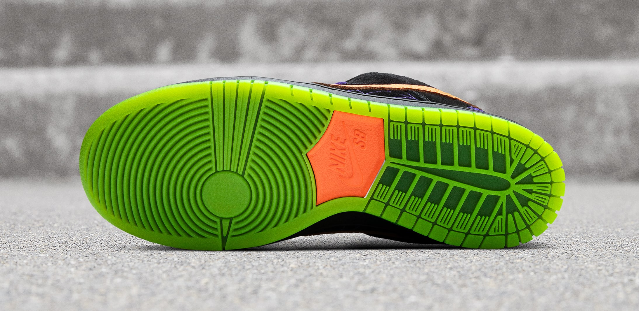 nike-sb-dunk-low-night-of-mischief-outsole