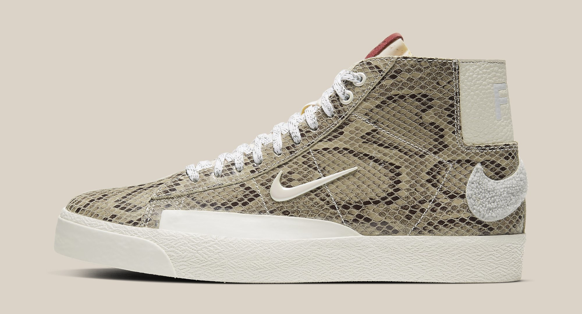 soulland-nike-blazer-mid-fri-day-cn4540-001-lateral