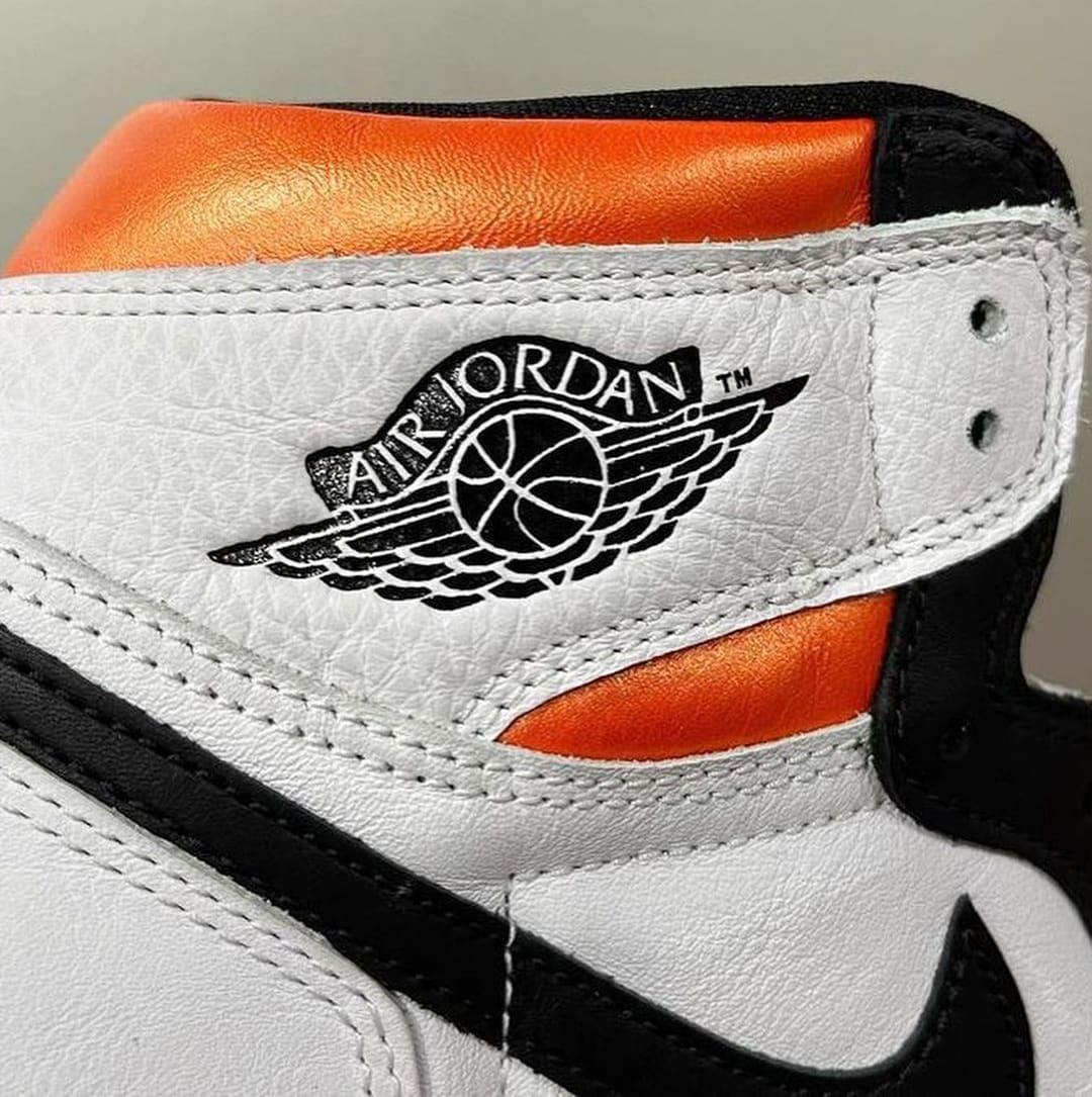 Air Jordan 1 Retro High OG 'Electro Orange' 555088-180 Collar