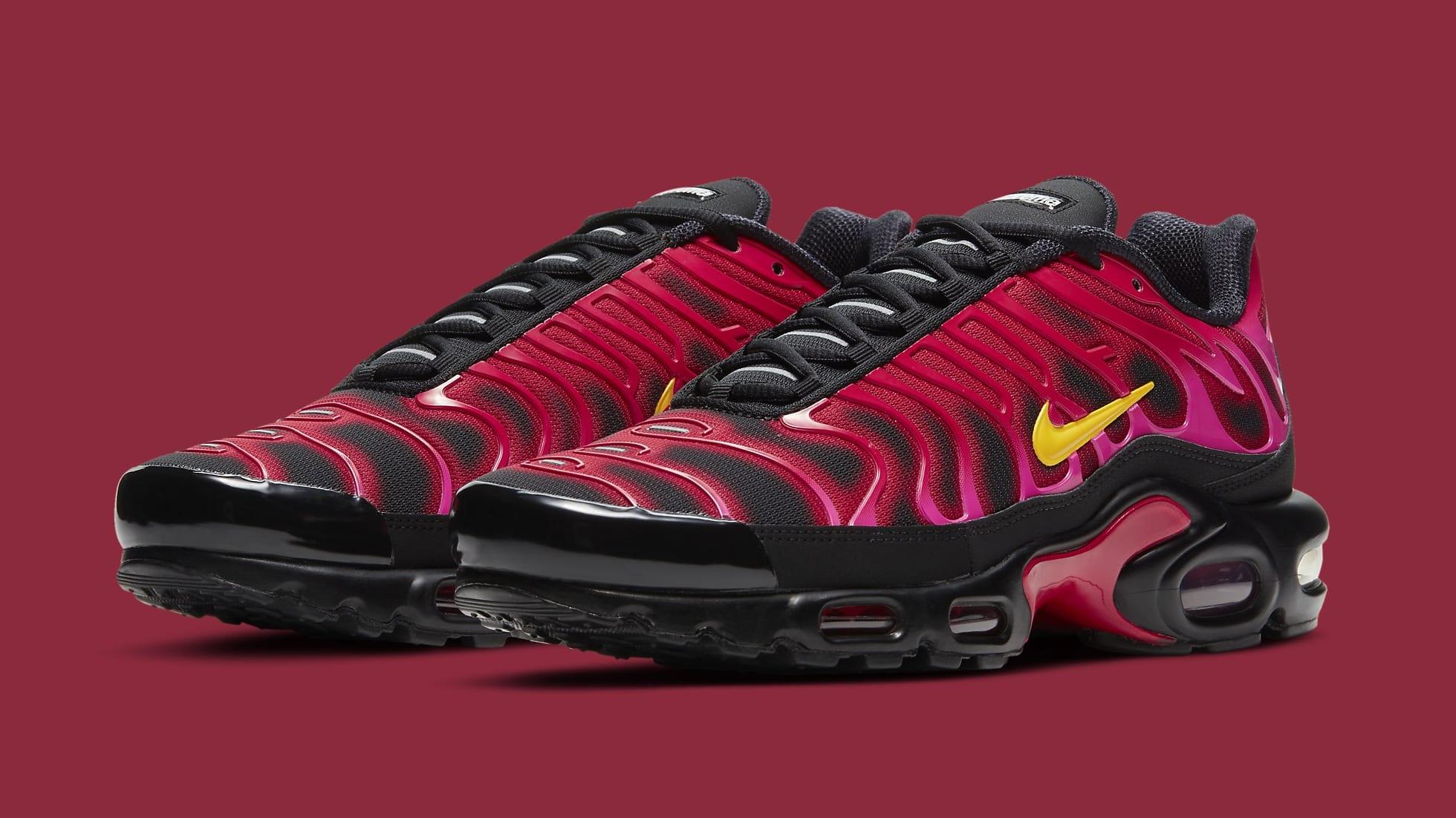 Supreme x Nike Air Max Plus 'Fire Red' DA1472-600 Pair