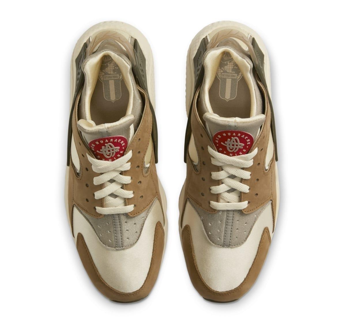 Stussy x Nike Air Huarache 'Desert Oak/Reed/Light Straw' DD1381-200 (Top)