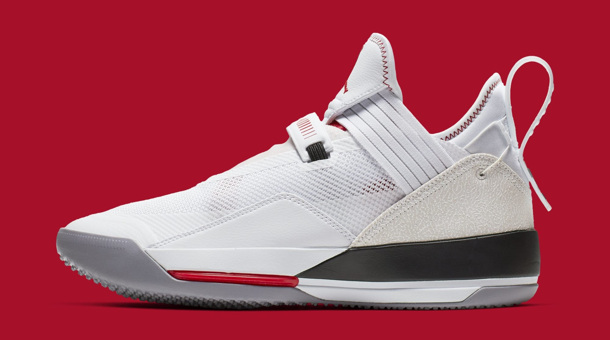 purchase cheap a7bfc 331b1 Color  White Metallic Gold-Gym Red Style    CD9560-106. Air Jordan 33 Low SE  CD9560-106 (Lateral)