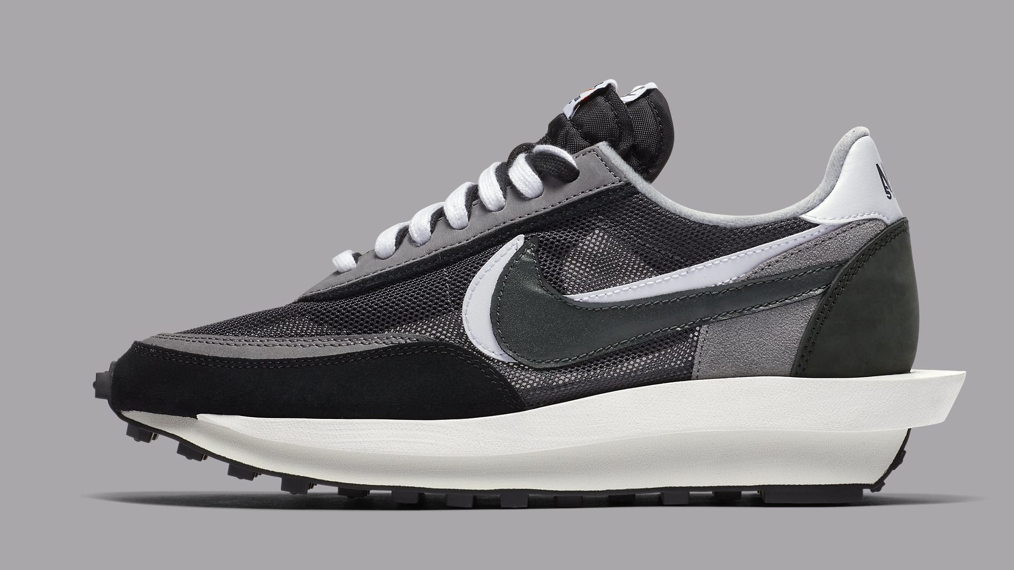 Sacai x Nike LDWaffle Black Anthracite Release Date BV0073-001 Profile