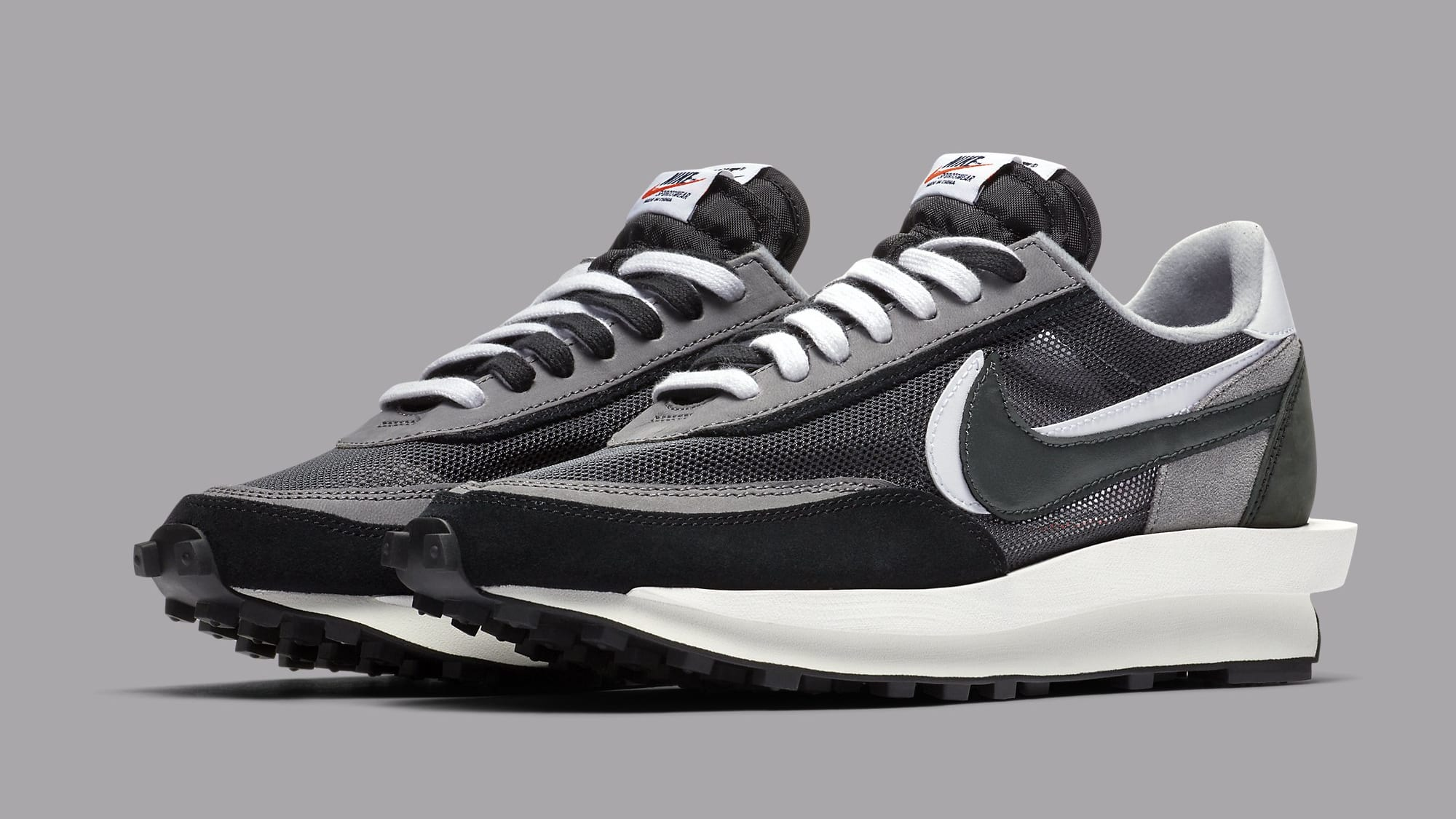 Sacai x Nike LDWaffle Black Anthracite Release Date BV0073-001 Pair