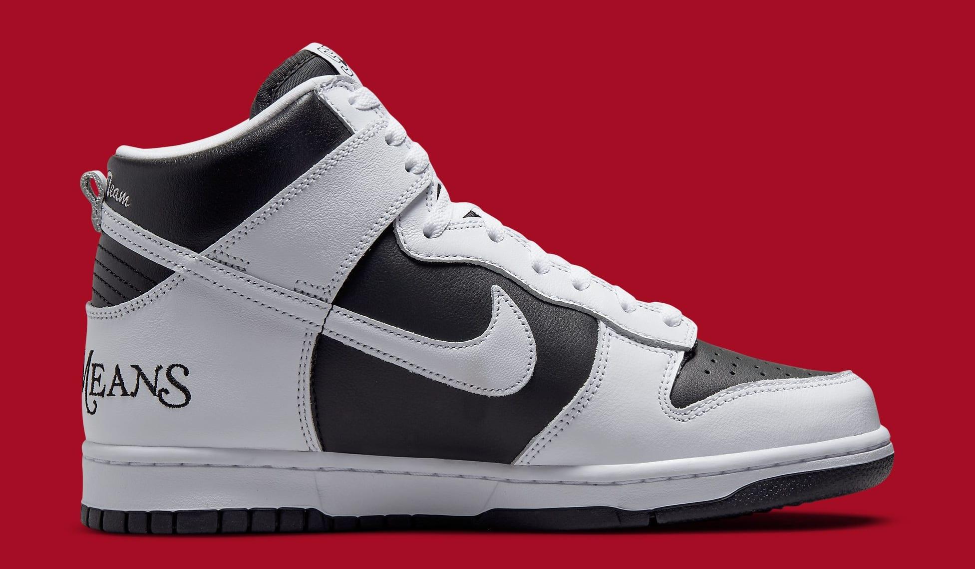 Supreme x Nike SB Dunk High White/Black DN3741-002 Medial