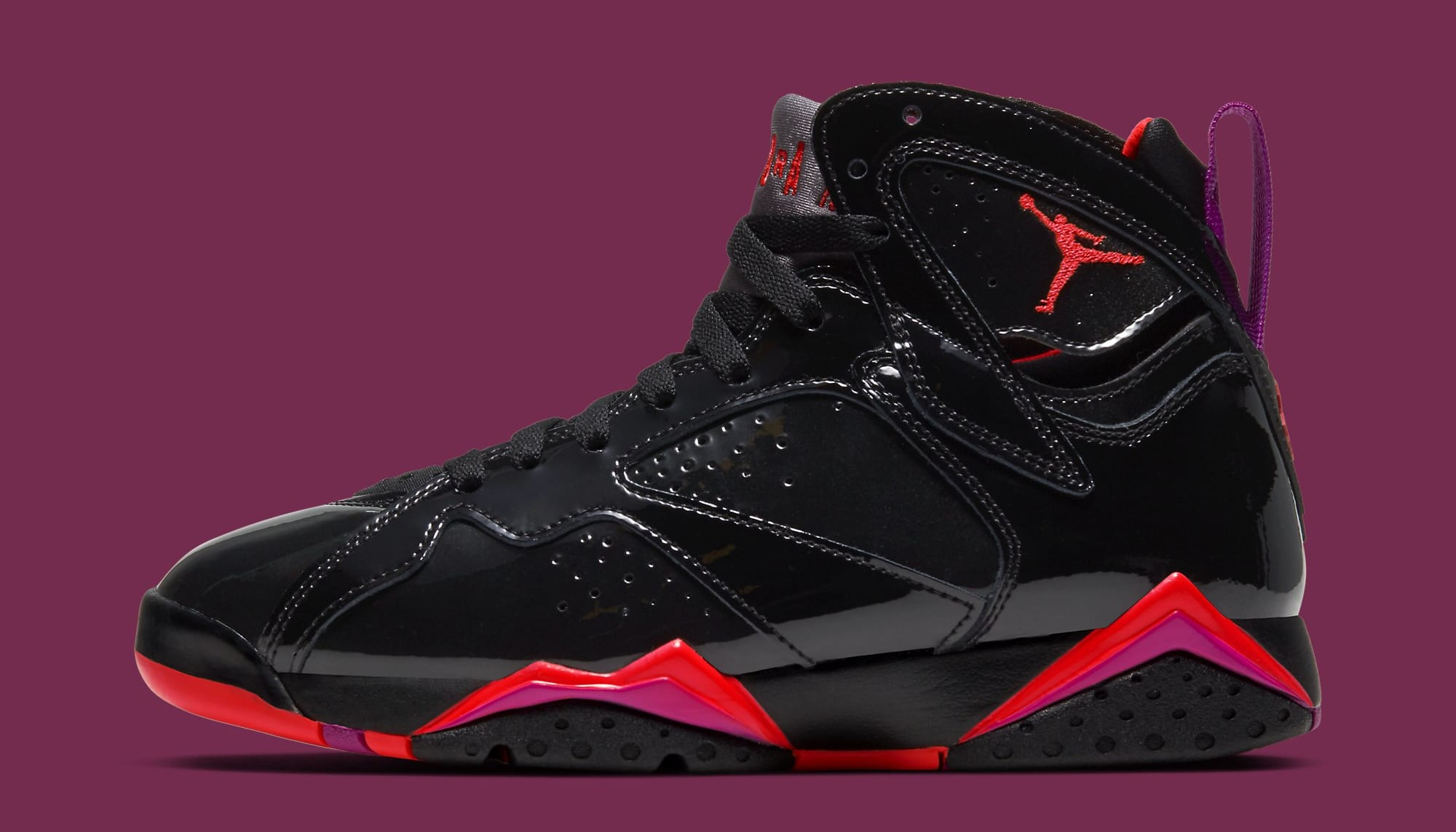 air-jordan-7-vii-retro-wmns-black-patent-leather-313358-006-lateral