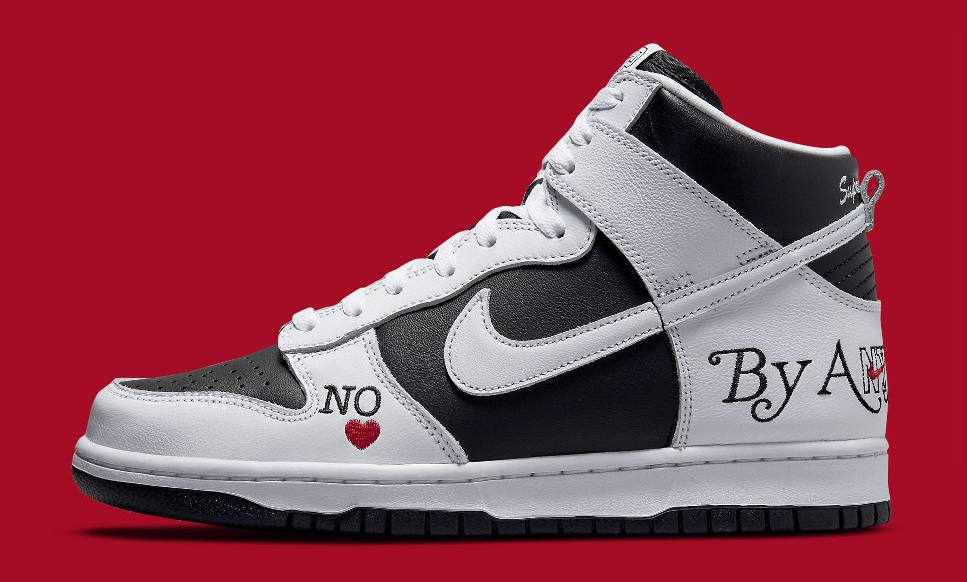 Supreme x Nike SB Dunk High White/Black DN3741-002 Lateral