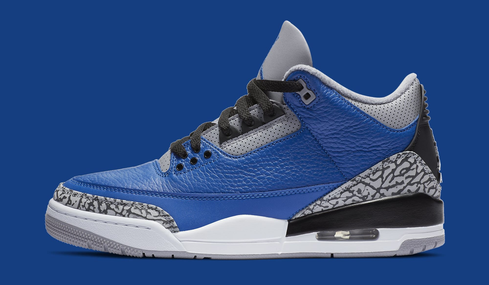 Air Jordan 3 III Retro 'Varsity Royal' CT8532-400 Lateral