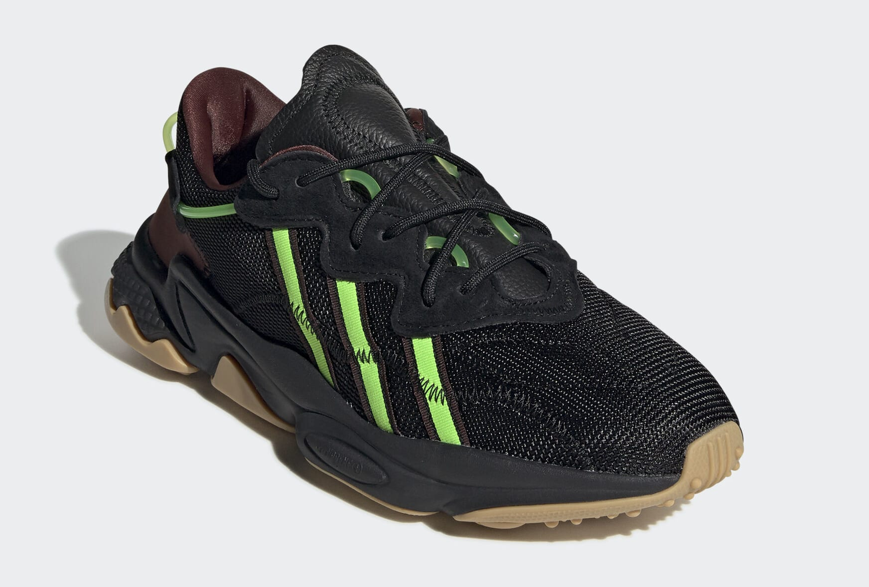 pusha-t-adidas-ozweego-black-fv2484-toe