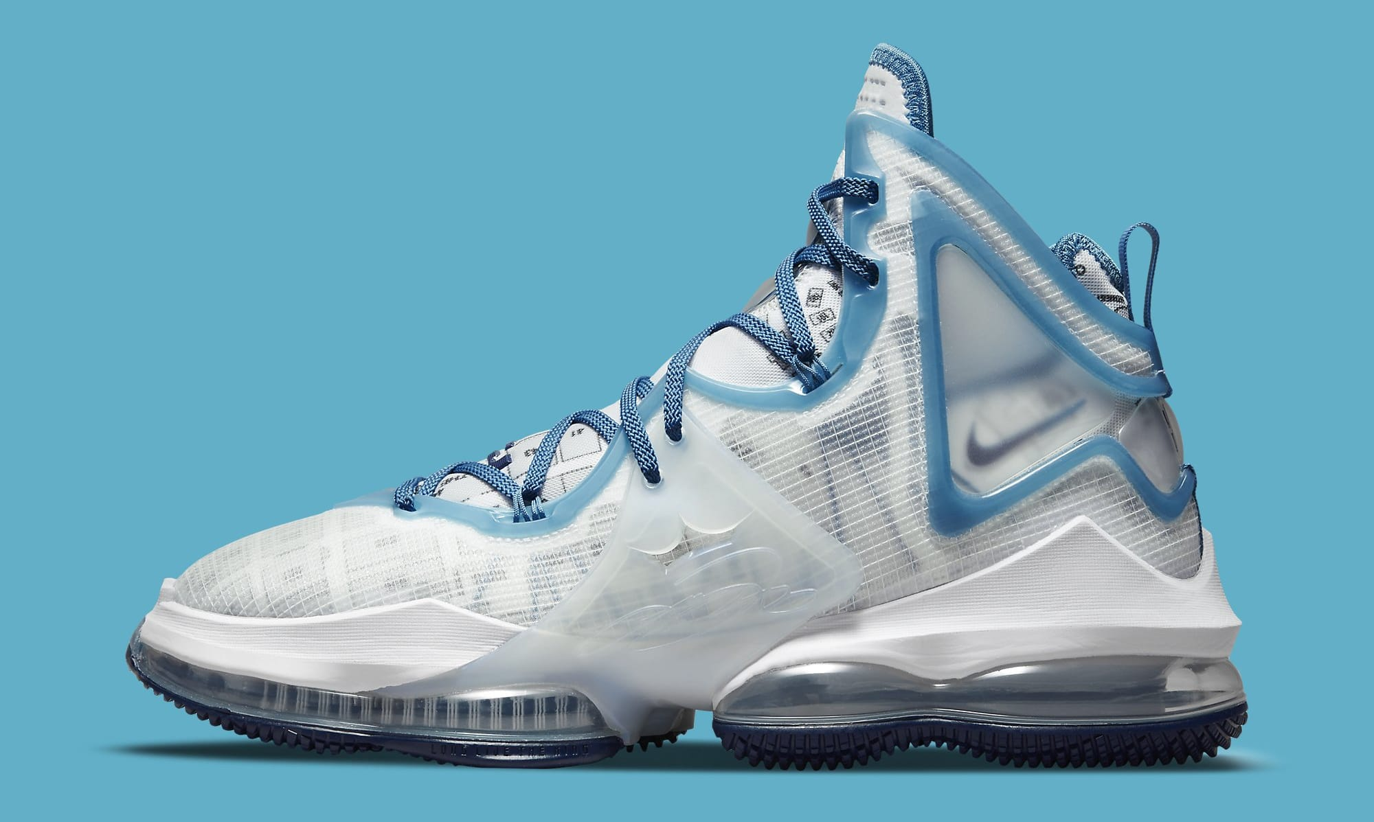 Nike LeBron 19 'Space Jam' DC9338-100 Lateral