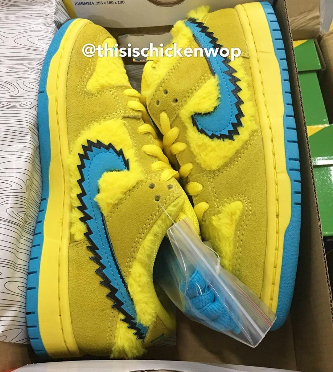 Grateful Dead x Nike SB Dunk Low Yellow/Blue Side