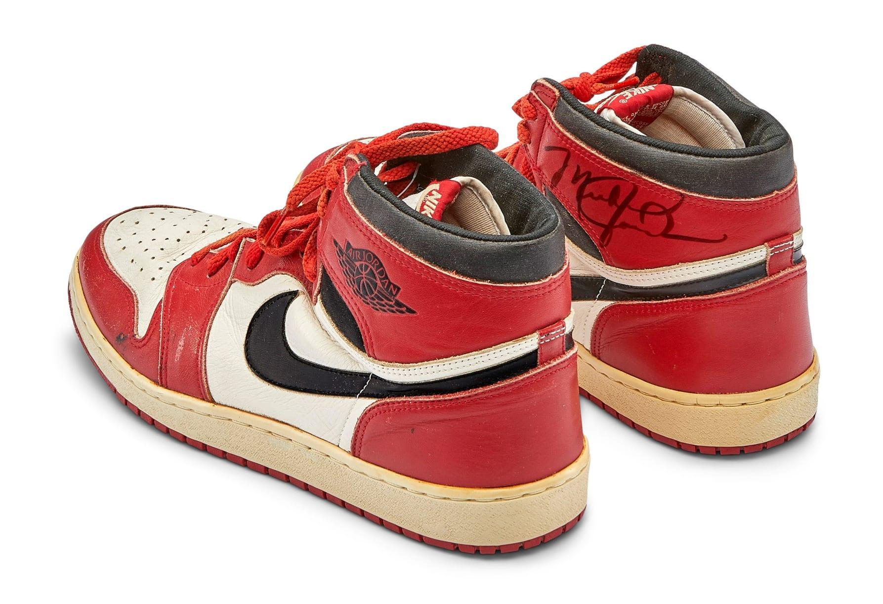 Michael Jordan Game Worn Autographed 1985 Air Jordan 1 High 'Chicago' Heel
