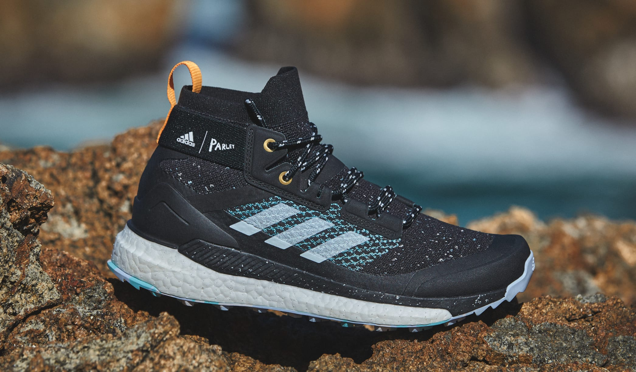 parley-adidas-outdoor-terrex-free-hiker-lateral