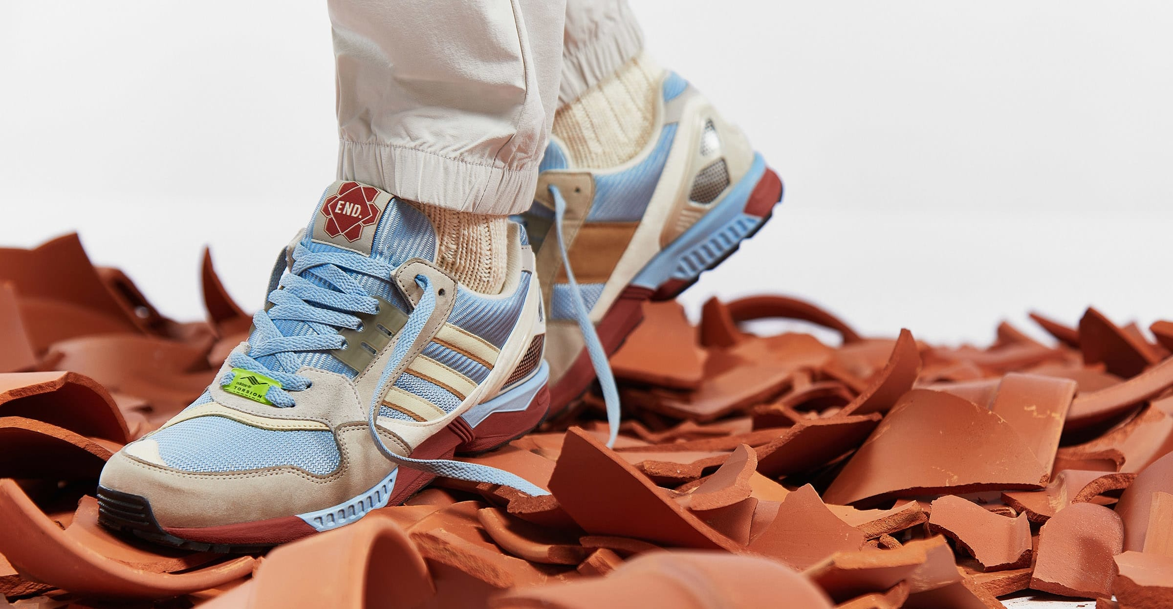 End. Clothing x Adidas ZX 9000 'Kiln' FW5022 Lateral